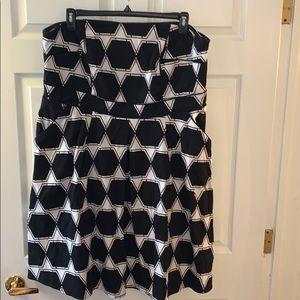 City chic strapless geometric patterned dress